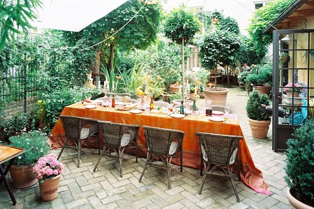 Courtyard-ackselhaus-2-house-29aug14_pr_b_639x426